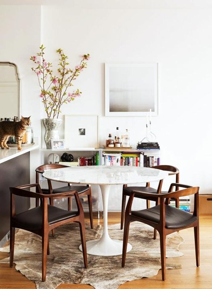 esszimmer bilder ideen, eine katze im zimmer, schönes design minimalistisch