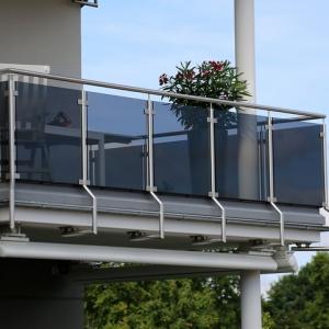 Privatsphäre auf dem Balkon im Wohngebiet