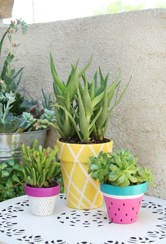 basteln mit kindern, ideen für topf, töpfe mit farben gestalten und pflanzen darin legen