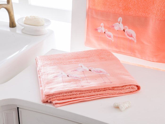 1001 ideen und bilder zum thema flamingo deko - Pinkes badezimmer ...