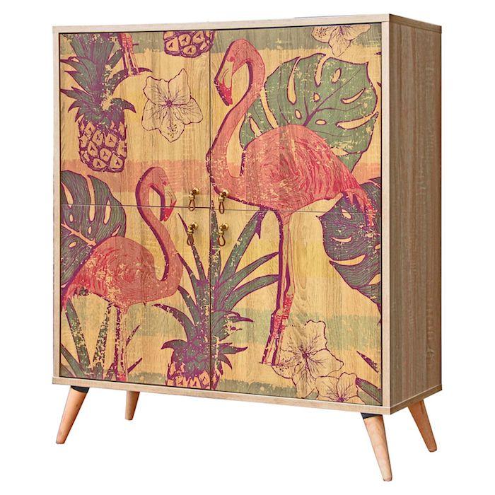 ein schrank aus holz und mit einem bild mit grünen blättern und weißen blumen und zwei großen pinken flamingos, flamingo bilder