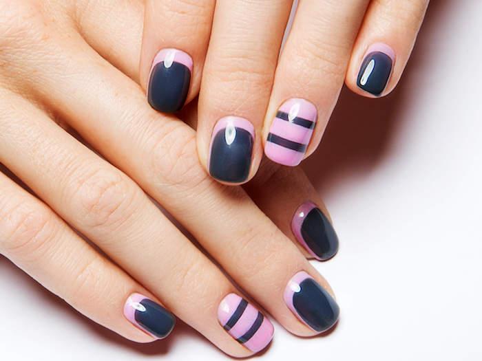 gelnägel natur rosa, geometrisches nageldesign in dunkelgrau und hellrosa, streifen