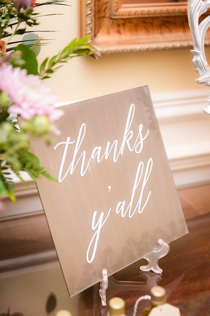 Originelle Ideen für Hochzeit Tischdeko, Schild mit Aufschrift Thanks you all