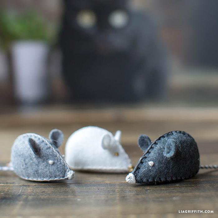 katzenspielzeug beschäftigung, drei mäuse in verschiedenen farben, spielzeuge für katzen