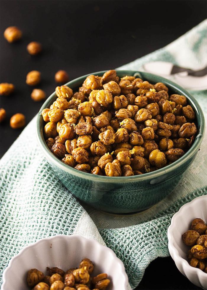 kichererbsen selber rösten und anstelle von chips servieren, besondere vorspeisen