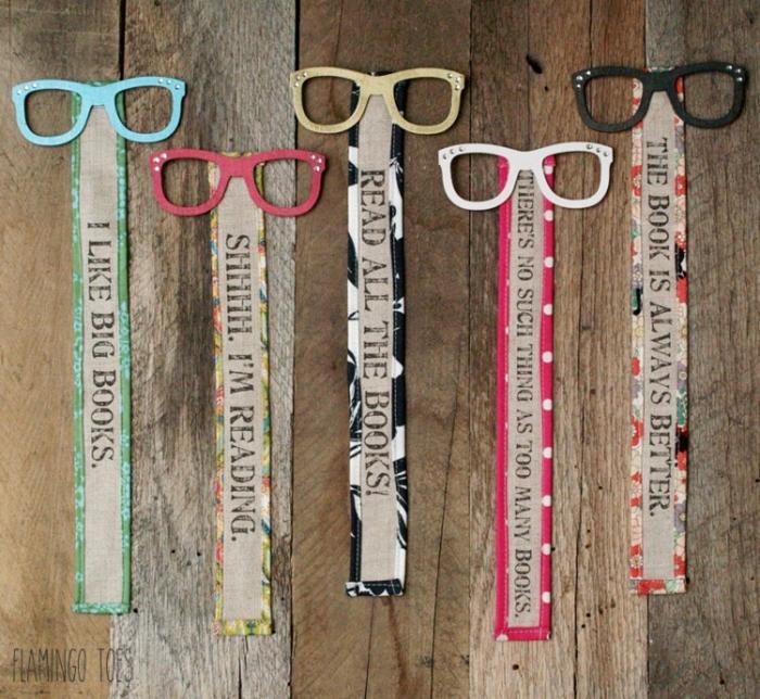 Sprüche über Bücher auf Lesezeichen drucken, mit Brillen dekorieren