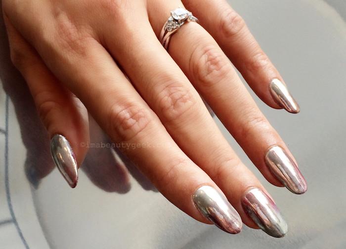 nageldesign selber machen, silberner ring mit stein, ehering, chrome nägel anleitung