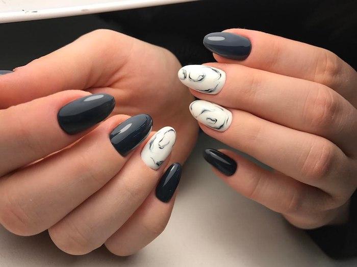 natürliche gelnägel, marmor motiv, kreative nagelmotive, nagellack in grau und weiß