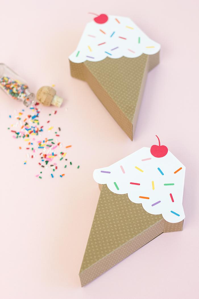 Coole Geschenkverpackungen in Form von Eiscreme, mit Kirsche und Zuckerstreuseln