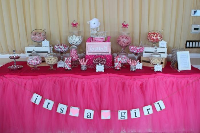 rosa Deko für Babyparty, eine große Aufschrift Its a Girl, Babyparty für Mädchen
