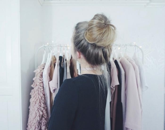 eine Garderobe, schöne Frisuren für lange Haare, Messy Dutt, Hochsteck Frisuren