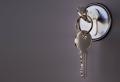 Ohne Schlüssel draußen eingesperrt – fachliche Tipps und Tricks zum Entkommen