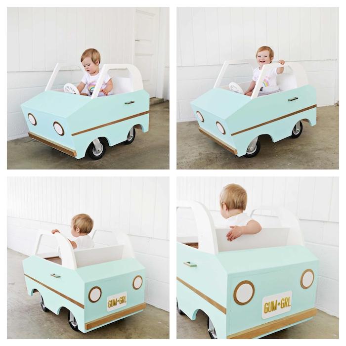 Spielzeugauto zur Taufe schenken, aus Holz, in Hellblau und Weiß lasiert
