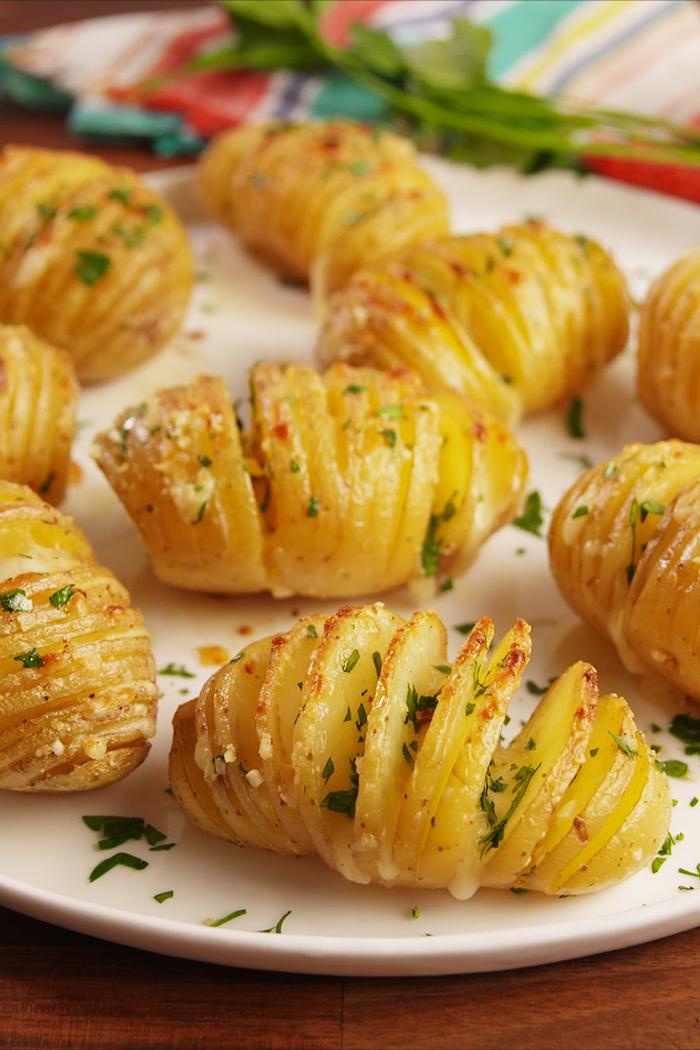 vorspeisen vegetarisch, eine einfache rezeptidee ist von gebackenen kartoffeln mit gewürzen
