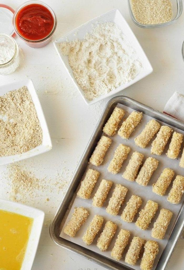 die schritte zur zubereitung der käse happen vegetarisches weihnachtsmenü, einfaches rezept