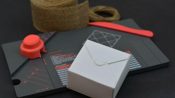 weiße Schachtel, alles, was Sie für ein DIY Projekt brauchen, Babyparty Deko