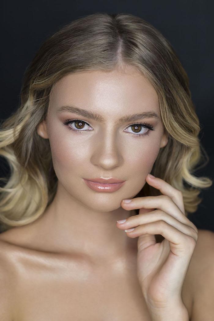 augen schminken anleitung, balayage blond, natürliches make up für hochzeit, perfekter teint