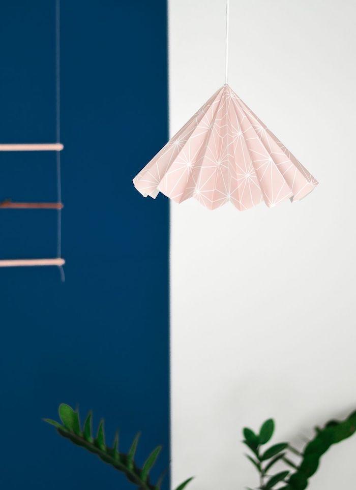 deko selber machen, diy lampenschirm aus papier, geometrische hängelampe, tutorial