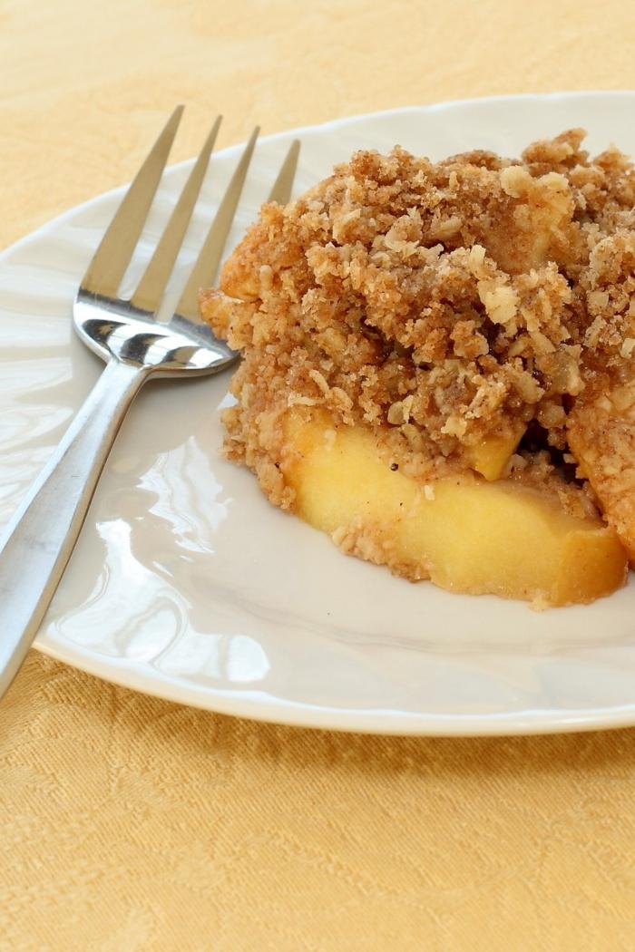 Gerichte zum Abnehmen, gesunder Nachtisch mit Walnüsse und Zitronen Creme