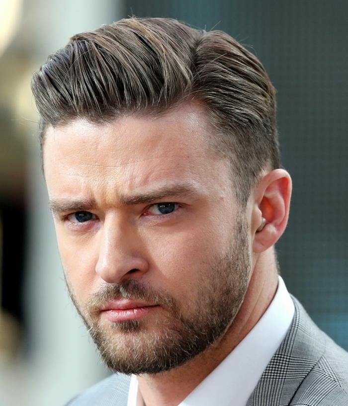 Herren Frisuren 2018, Justin Timberlake mit Seitenscheichtel, gerundeter Pony und dezenter Bart