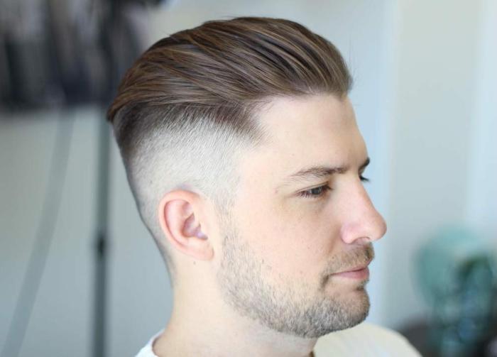 Undercut Frisur, lange Strähne nach hintern gekämmt, ein kurzer Bart, welche Frisur passt zu mir