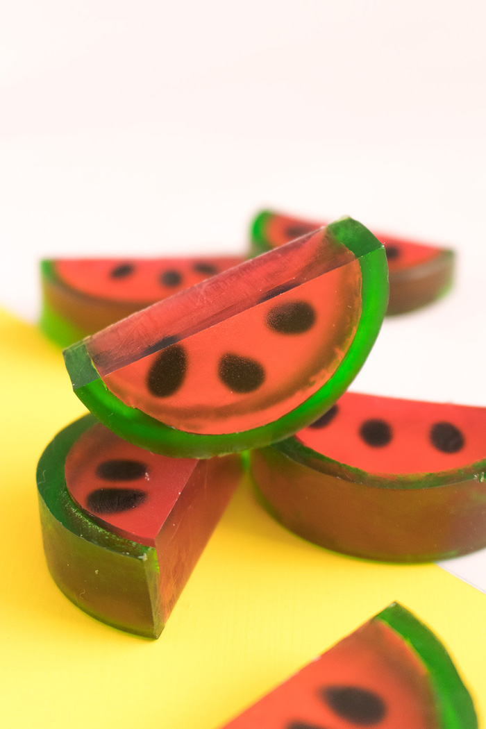 Wassermelonen Seifen, Kosmetika selbst herstellen, schönes Geburtstagsgeschenk für Freundin