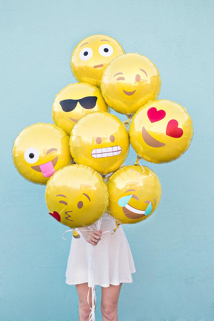 Emoji Ballons, coole Geburtstagsdeko selber machen, Überraschungsparty planen und organisieren