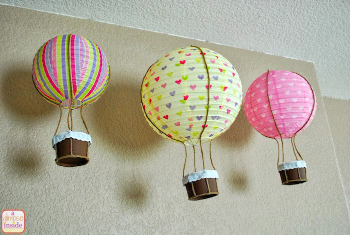 geschenke zum geburt basteln, bunte laternen aus papier, selbstgemachte deko