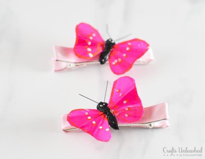 Haarklammer mit violetten Schmetterlingen dekorieren, Haarschmuck für Kinder selber machen