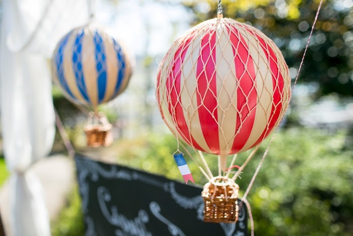 heißluftballon deko selber machen, garten dekorieren, diy bastelideen, große bälle