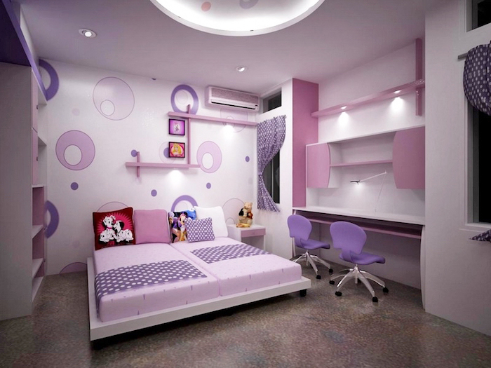 jugend mädchenzimmer für zwei, lila bürostühle, wandtapete mit kreisen, dekokissen mit disney helden