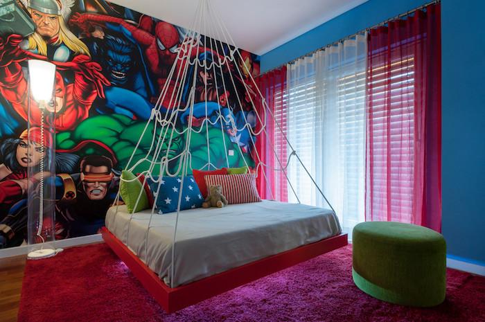 jugendzimmwe für mädchen,großer rter flauschiger teppich, runder grüner hocker, hängendes bett