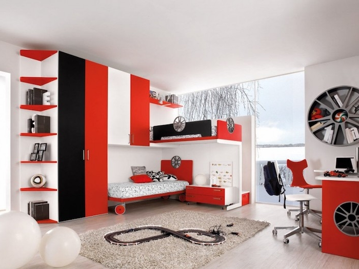 jugendzimmer gestalten, einrichtung in rot, weiß und schwarz, teile von auto, zimmer für junge