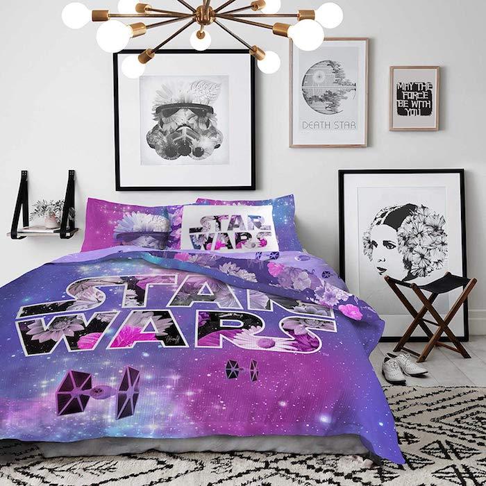 jugendzimmer mädchen modern, star wars bettwäsche in lila, wanddekoration mit bildern
