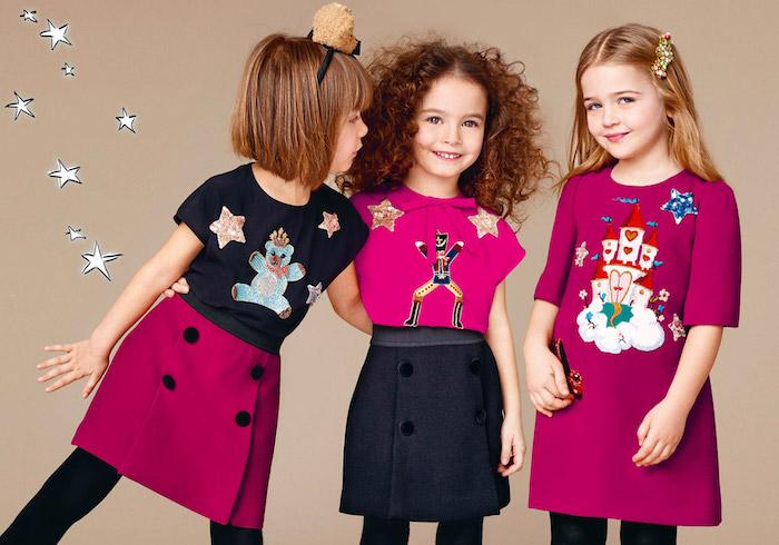 Tolle Outfits und Frisuren für Mädchen, Kombination aus Schwarz und Violett, offene Haare mit Haarschmuck