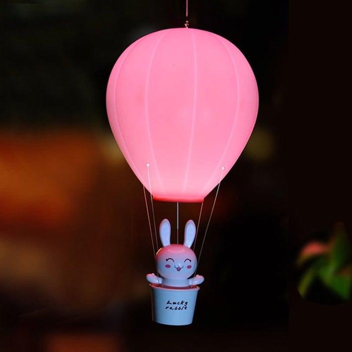 luftballon lampe, kleine weiße hase, rosa ballon, gartendeko selber machen, laterne