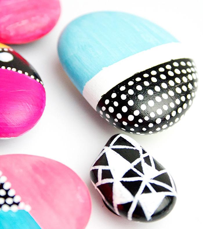 Kleine Steine mit Acrylfarben bemalen, DIY Deko Ideen für Groß und Klein