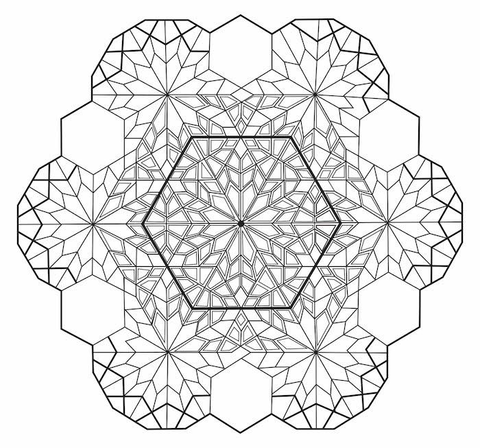 mandala vorlagen, wihnachtsmandala schneeflocke, seckeck in kombination mit kleinen kristallen