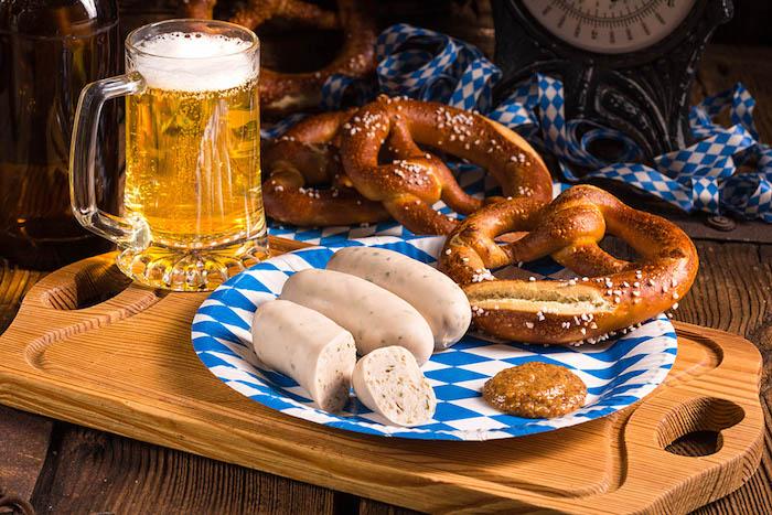 Bier Weißwurst und Brezeln, die Gemütlichkeit des größten Volksfestes der Welt erleben