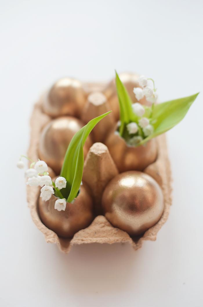 vasen aus goldenen eiern, osterdeko selber machen, tischdekoration, ostern