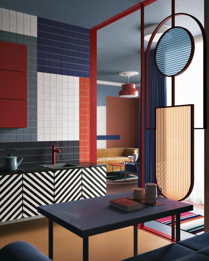 Farben, die zusammenpassen, weiße, rote und blaue Fliesen, ein lila Tisch