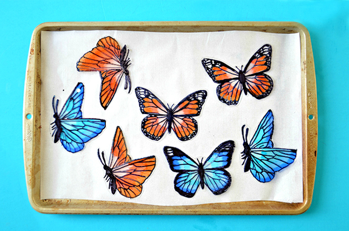 Schöne Schmetterlinge ausmalen und ausschneiden, selbstgemachte Dekoration für Zuhause