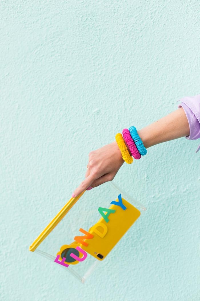 Bunte Armbänder mit Kreisen aus Papier, Schmuck selber machen, Materialien und Anleitung
