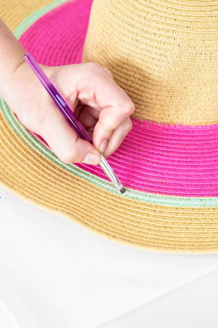Wassermelone Sommerhut selbst gestalten, mit Textilfarben bemalen, DIY Anleitung