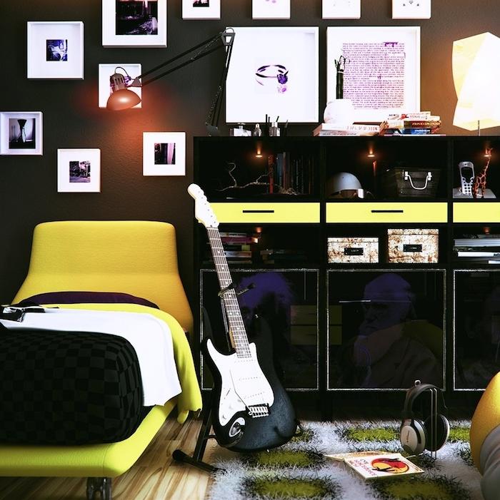 teenager zimmer, kleines bett, einchtung in schwarz und gelb, viele bilder als wanddeko, guitar