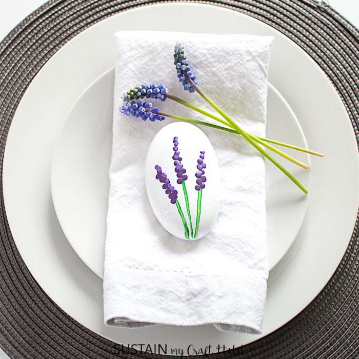 Deko Stein mit Lavendel, DIY Dekoration für den Garten und jeden Raum