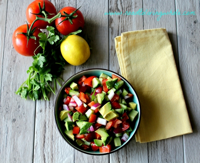 Tomaten, Zitronen, Avocado, Avocado Tomaten Salat, eine ganz bunte Mischung