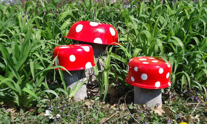 upycycling ideen zum selbermachen, pilzen aus alte töpfe, schüssel bemalen