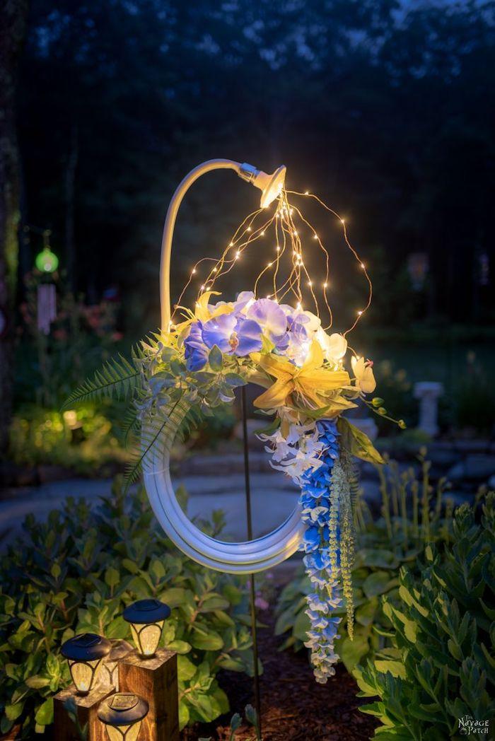 vorgarten deko, außernbereich beleuchtung, diy bastelideen, lichterkette, blumen