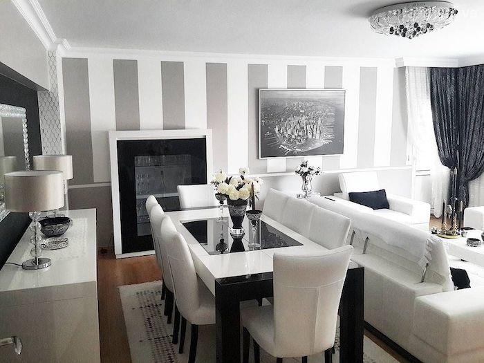 wohnzimmer grau weiß, esstisch in schwarz und weiß, sechs stühle, wand mti streifen muster